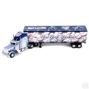 NEW YORK YANKEES MLB 2005 Semi Diecast Peterbilt Tractor Trailer Truck