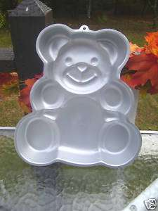 Wilton Teddy bear cake pan 1982 birthday baby shower
