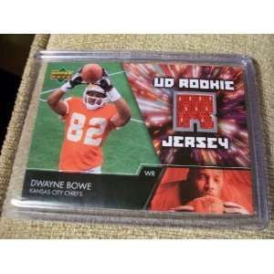 2007 Upper Deck Dwayne Bowe Rookie Jersey Card Everything