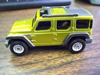 2004 DETROIT AUTO SHOW JEEP RESCUE MAISTO CAR TOY NEW