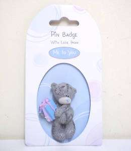 ME TO YOU TATTY TEDDY BEAR WITH PRESENT RESIN PIN BADGE